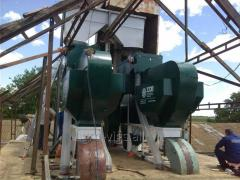 Equipment for cleaning grain from impurities of