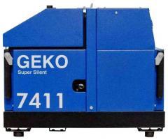 Трехфазный бензиновый генератор Geko 7411ED-AA/HHBA (5,78 кВт)