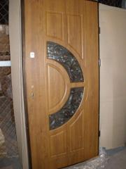 Двери входные металлические со стеклопакетом и