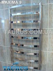 The corrosion-proof Maxima 9/400 heated towel rail