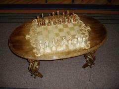 Стол шахматный деревяный