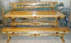 Стол и скамейки деревяные