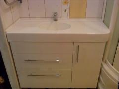 Столешница  из акрилового камня в ванную