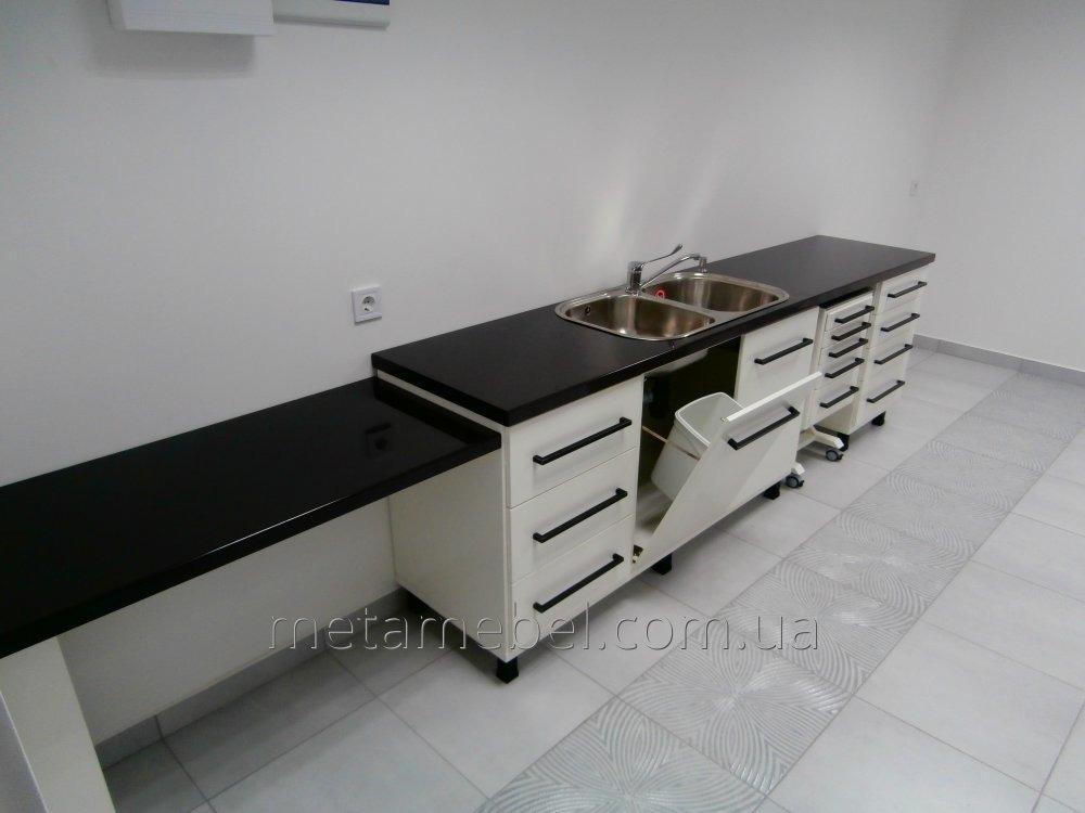 mebelnyj_garnitur_vracha_stomatologa_polnyj_nabor