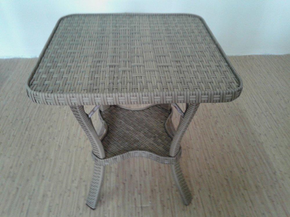 stolik_kofejnyj_iz_rotanga_6060