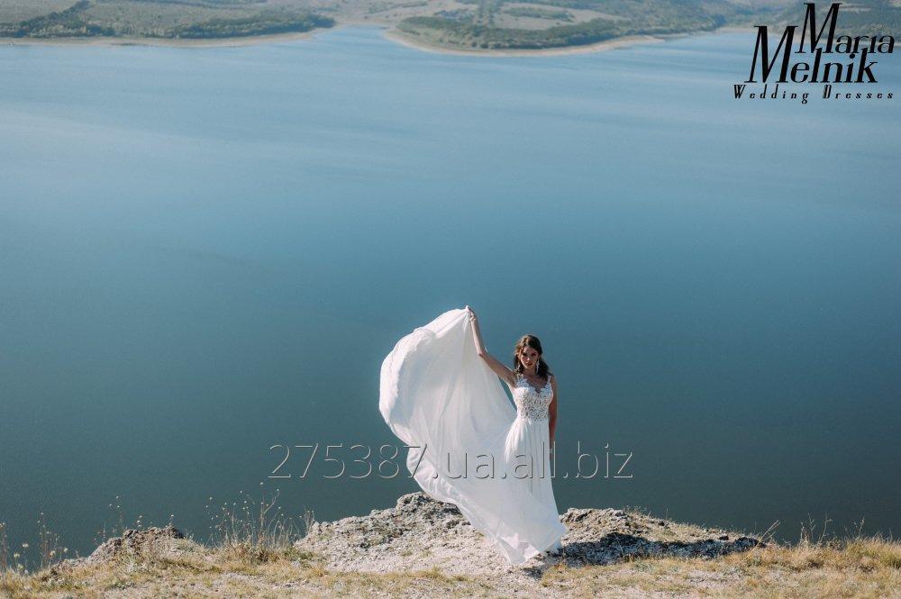 legkoe_shifonovoe_svadebnoe_plate_so_shlejfom