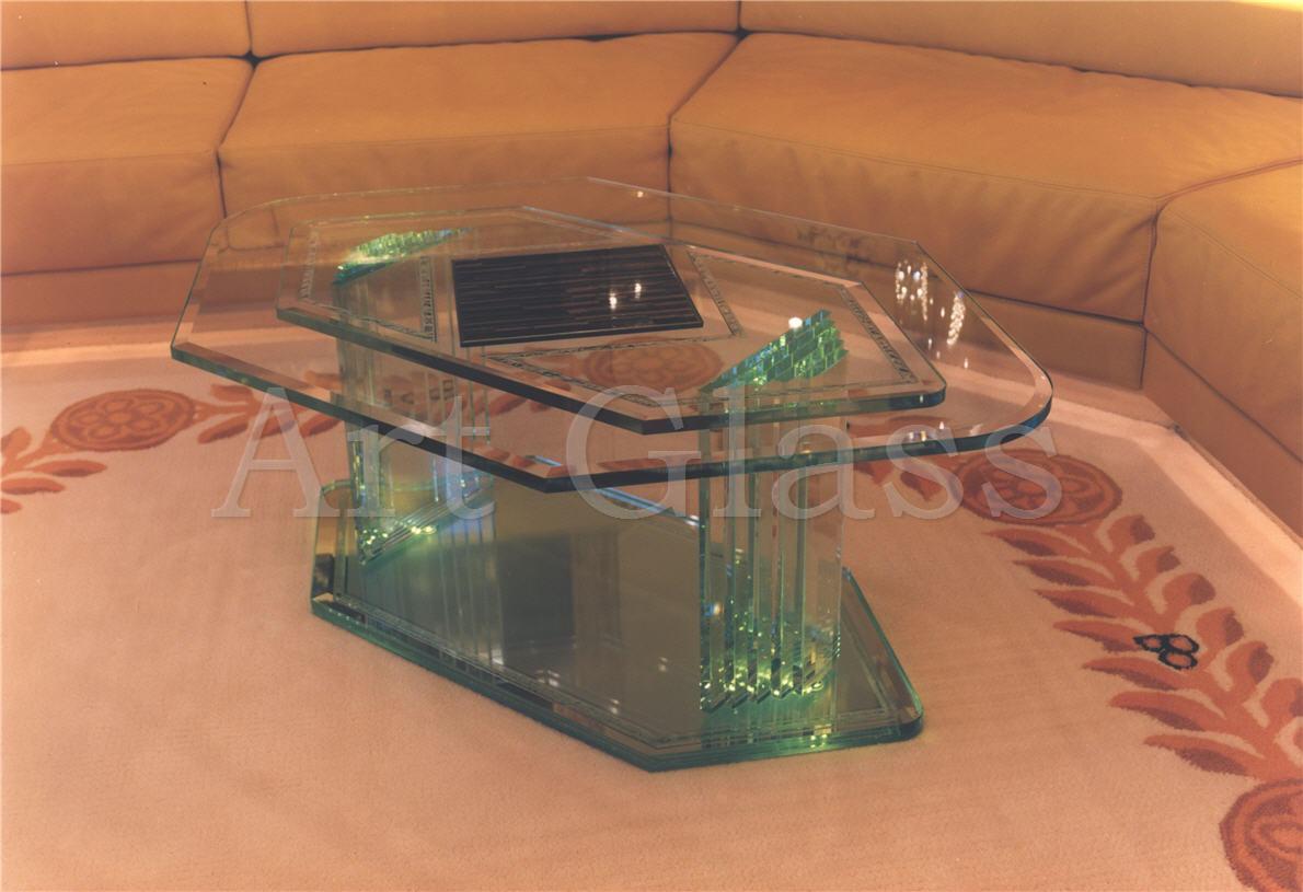 stoly_i_stoliki_iz_stekla_i_kamnya_izdeliya_klassa_lyuks_originalnyj_dizajn_na_zakaz