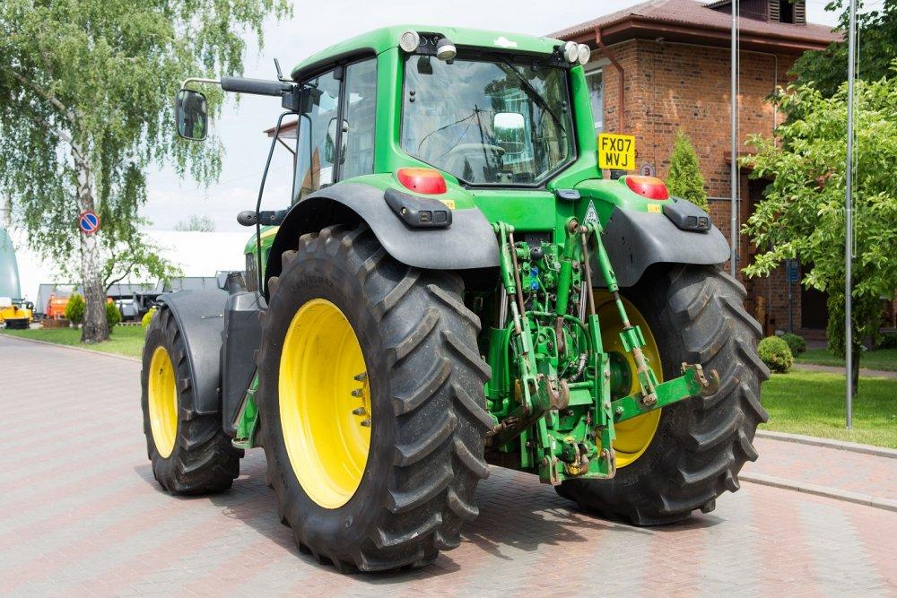 traktor_kolesnyj_john_deere_7430_premium