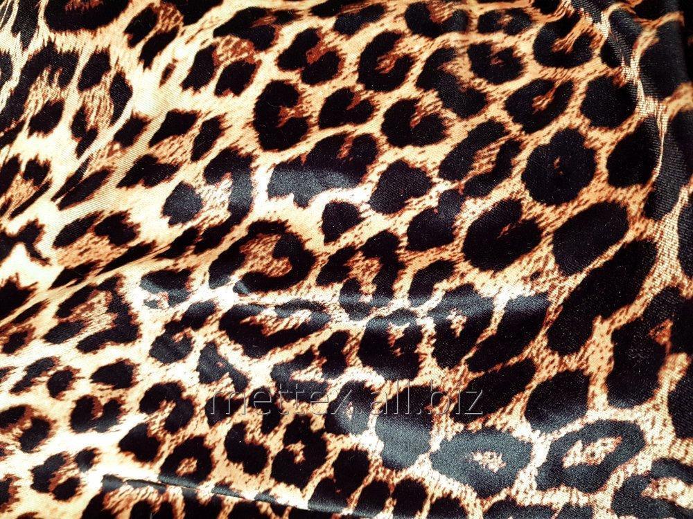 gladkij_strejch_barhat_cvet_leopard