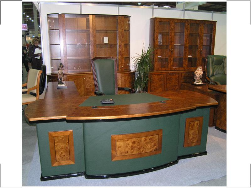 stol_rukovoditelya_antares
