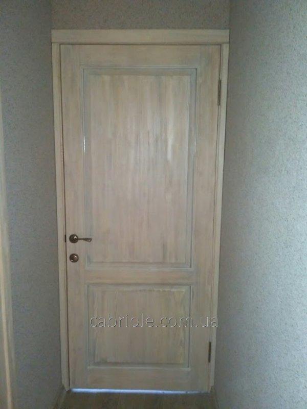 dveri_iz_naturalnogo_dereva