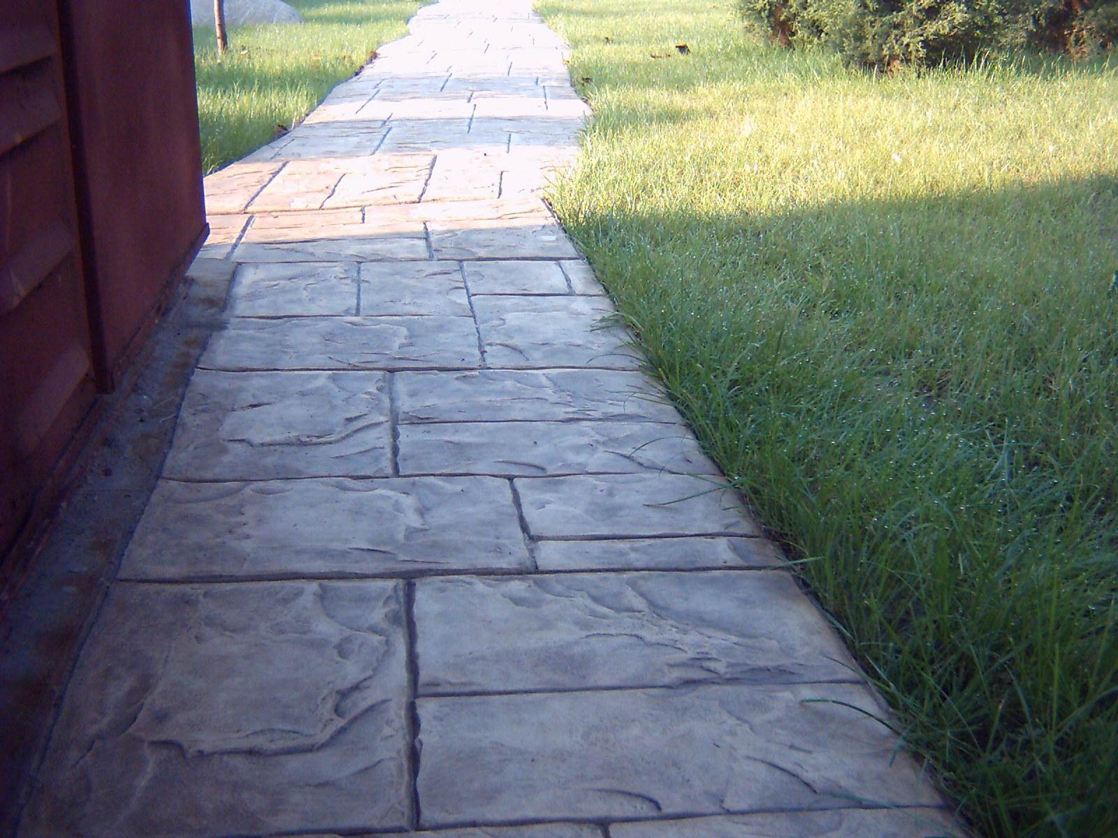 betonnye_poly_betonnye_dekorativnye