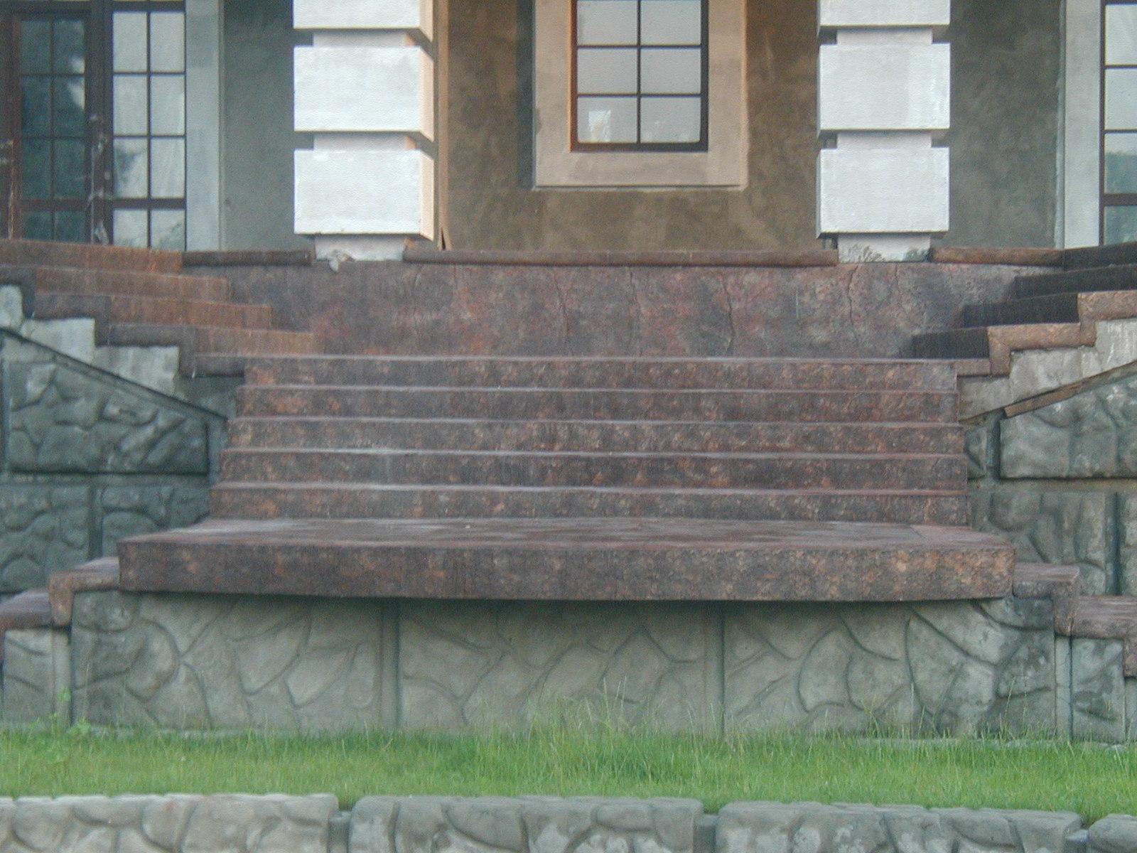 dekorativnyj_shtampovannyj_beton_czvetnye_betonnye_poly