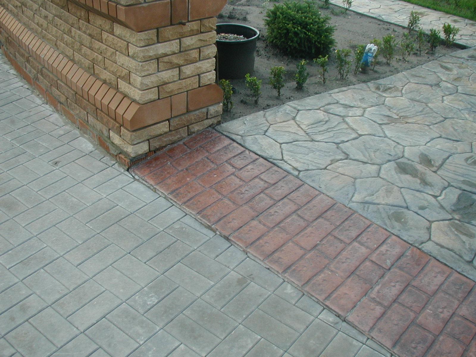 poly_betonnye_dekorativnye_dlya_parkingov