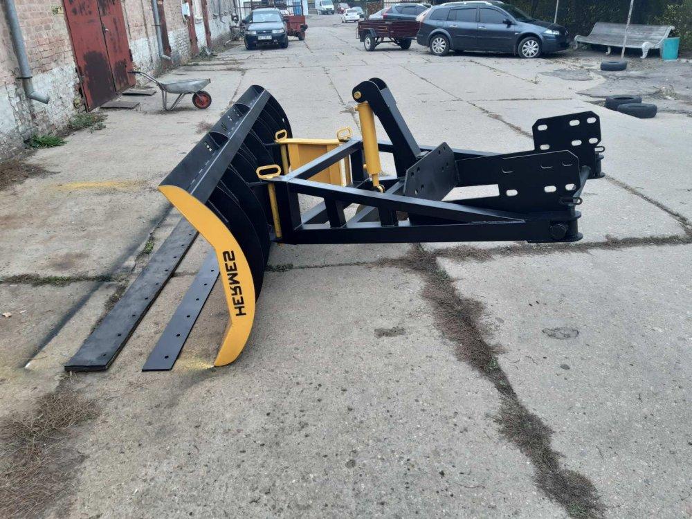 grejdernyj_snegouborochnyj_otval_k_traktoram_t150