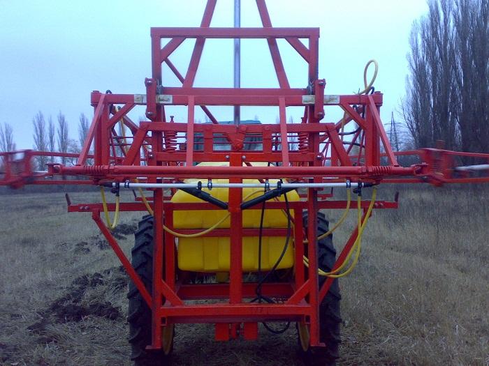 Оприскувач ОП-2000 штанга 18 м