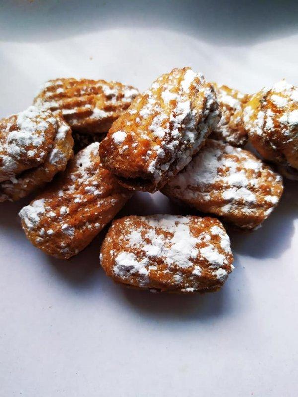 pechene-pesochnoe-so-sgushchennym-molokom-sladkaya