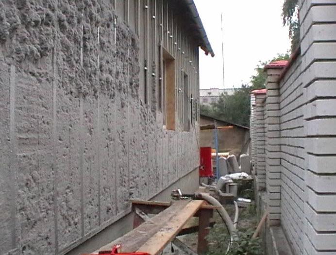 utepliteli_dlya_sten_derevyannogo_doma_ekovata