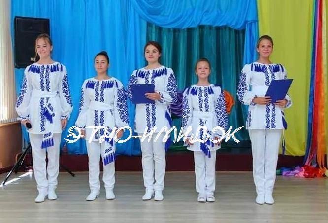 stilizovannye-nacionalnye-kostyumy-1
