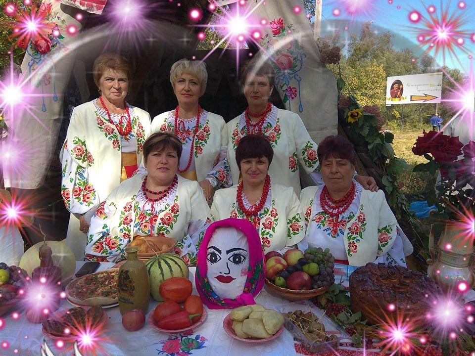 stilizovannye_ukrainskie_kostyumy