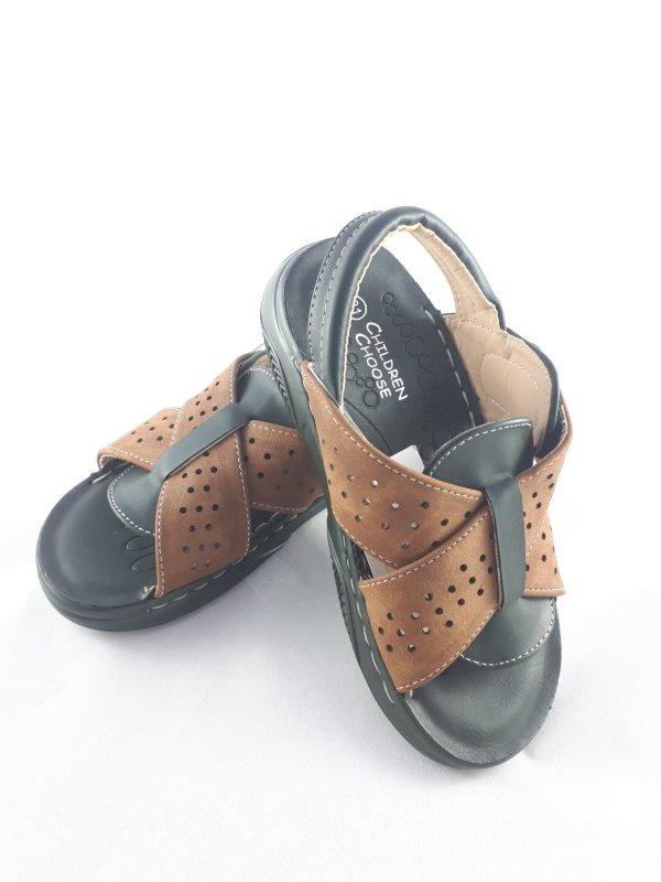 bosonozhki-sandalii-detskie-proshitye-korichnevye