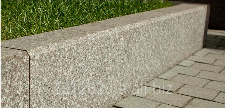 bordyur_z_faskoyu_10_mm_gp_1_300h150hl600_1200mm_kapustyanske_granit_oranzhevij_pilenij