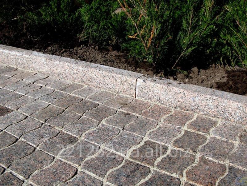 bordyur_z_faskoyu_10_mm_gp_4_200h100hl600_1200mm_korninske_granit_sirij_pilenij