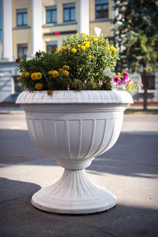 cvetnik_na_nozhke_gorodskoj