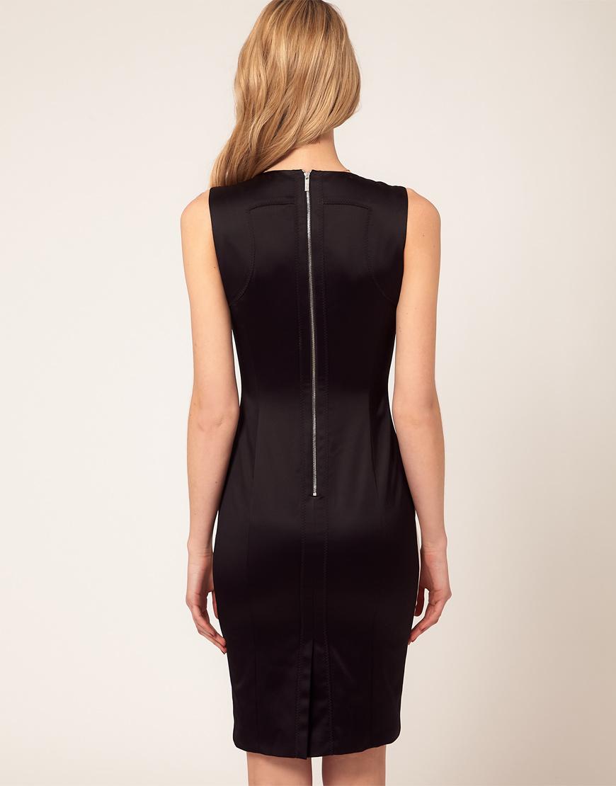 Черное платье с замком сзади