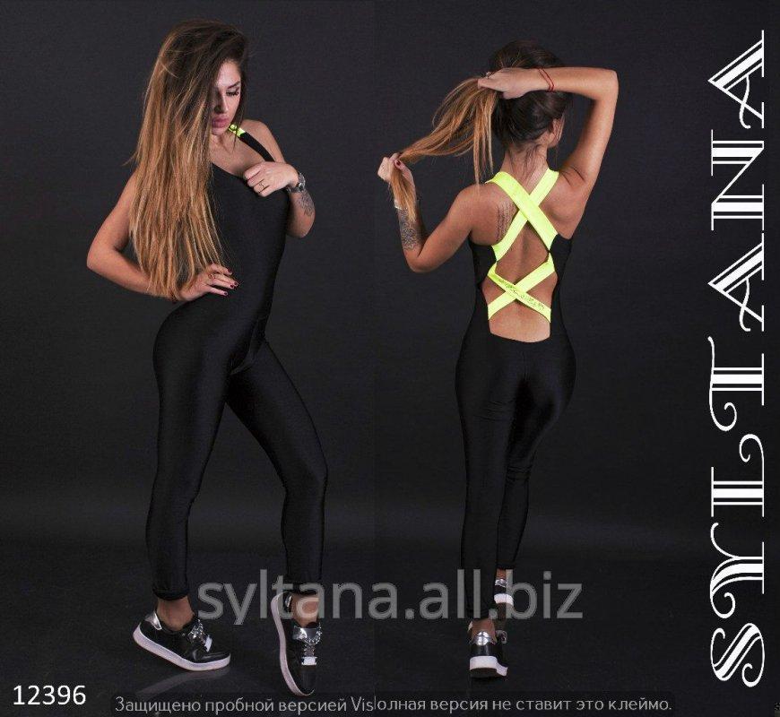 zhenskij_kombinezon_dlya_fitnessa_kod_12396
