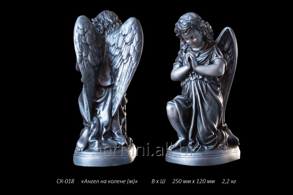 skulptura_angel_na_kolene_mal