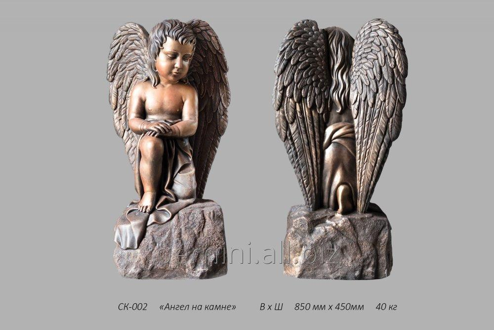 skulptura_angel_na_kamne