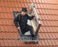 Мансардное окно Velux для выхода на крышу