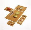 La tabla para la división hortalizas, la carne y otros productos de la alimentación en Exactamente