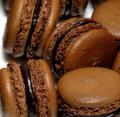 Пирожное Макарон Шоколадный