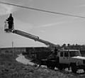 Электромонтажные работы с помощью авто вышки
