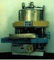Автомат дозировочно-наполнительный Б4-КДН-16 для объемного дозирования зеленого горошка в цилиндрические консервные банки и наполнения их заливой, призв-ть 80-160 б/час