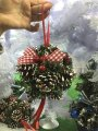 Омела новогодняя с шишками лентами и ягодами.декоративный шар.16 см Красный декор.