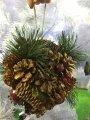 Омела новогодняя с шишками и ягодами.декоративный шар.16 см