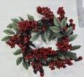 Венок из хвои рождественский.Красный декор.40см диаметр