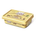 Spreadable processed cheese with oil and cow milk