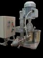 Лабораторная установка совмещенного действия для диспергирования пигментов красителей и других материалов в жидких средах (растворители, лаки, олифа, вода и другое).