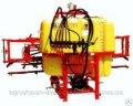 Ciągnika zamontowany opryskiwacza op-600