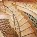 Мраморная винтовая лестница выполнена из мрамора Дайно реале по индивидуальному проекту