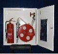 Шкаф навесной с барабаном для рукава и местом для 1 огнетушителя HW-52NK.