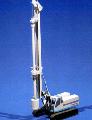 Установка буровая гидравлическая CMV TH 10 на гусеничном шасси производства фирмы BERKO, комплектующиеся  буровым инструментом для CFA-бурения,  работ с келли-штангой, а также оборудованием для бурения с трубовкручивающим столом.
