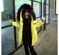 Толстые зимние детские курточки-пуховики с капюшоном и воротником.