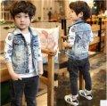 Детский джынсовый жилет для мальчико с красивым принтом