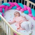 Бортик в детскую кроватку Хатка в виде косички Розово-мятный, 120 см (одна сторона кроватки)