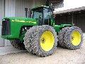 Трактор John Deere 9300
